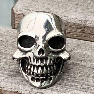 Men's smiling skull ring
